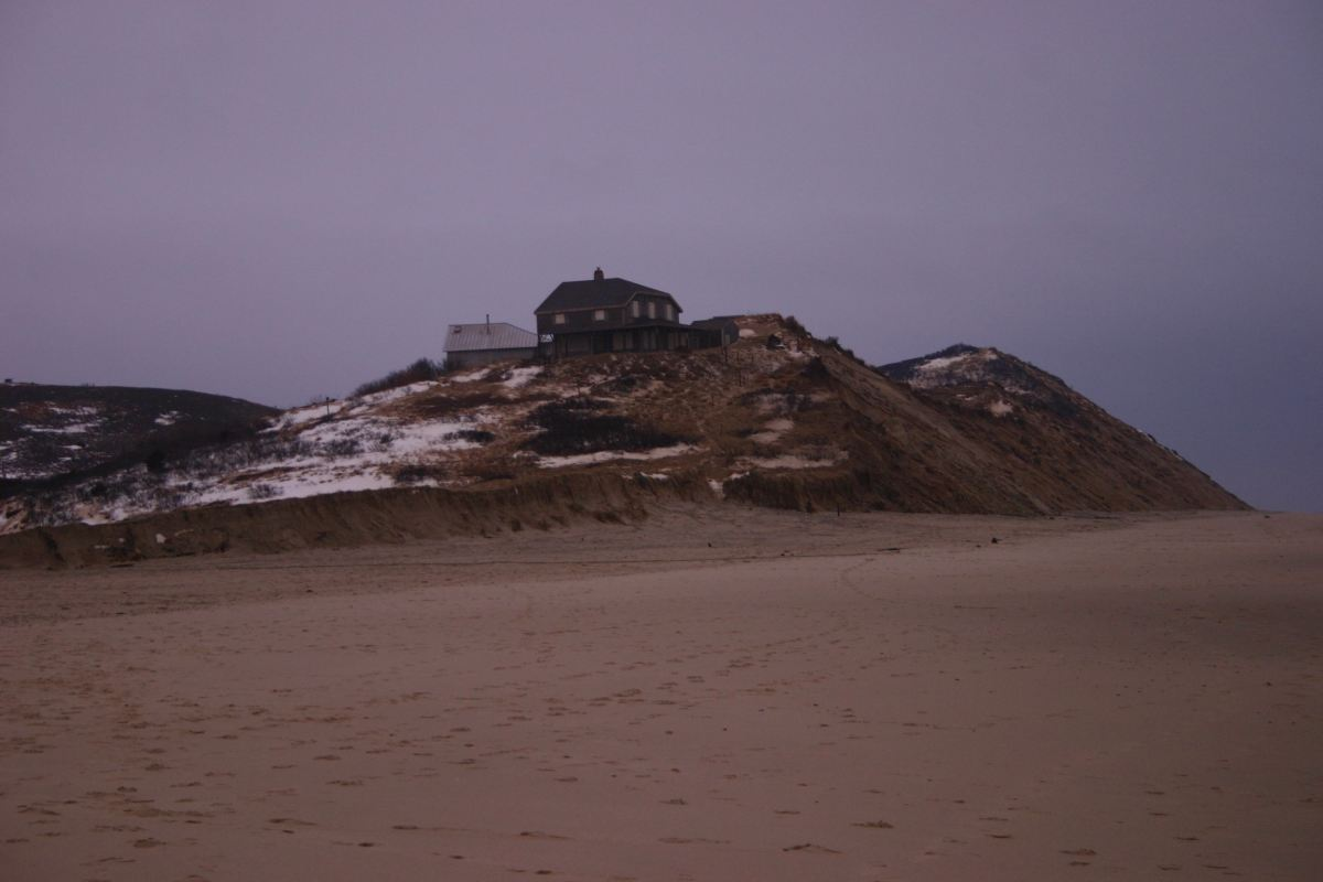 Houses to the north; note angle of dunes