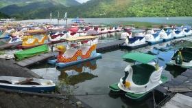 Paddle boats at Liyu (carp Lake)